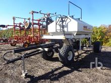 1996 BOURGAULT 3165H Tow-Behind