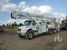 2004 FREIGHTLINER M2106 T/A w/A