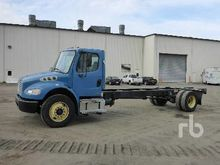 2009 FREIGHTLINER M2 S/A Cab &