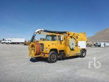 1982 FORD 8000 S/A Hydro Vac Tr