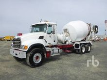 2005 MACK CV513 Granite T/A Mix