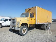 1971 FORD LT8000 T/A Lube Truck