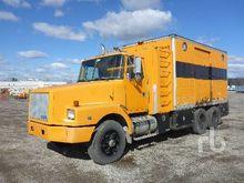1990 VOLVO WG T/A Lube Truck