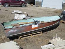 LUND N-12 12 Ft Boat