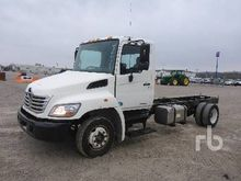 2009 HINO 258 S/A Cab & Chassis