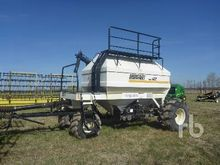 1999 BOURGAULT 4350 Tow-Behind