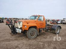 1984 FORD F7000 S/A Cab & Chass