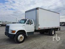 1997 FORD F700 S/A Van Truck