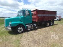 1998 VOLVO T/A Grain Truck