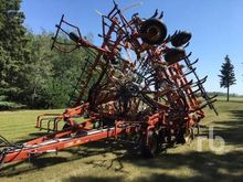 BOURGAULT 8810 40 Ft Air Seeder