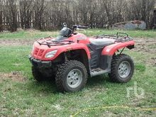 2011 ARTIC CAT 4x4 ATV (< 950 c