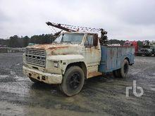 1983 FORD F7000 S/A Service Tru