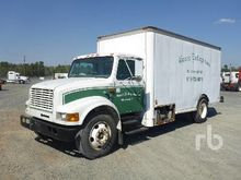 1999 INTERNATIONAL 4700 S/A Van