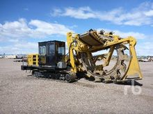 2013 WOLFE 8000 Crawler Bucket