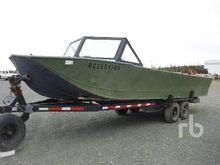 CUSTOMBUILT 26 FT Jet Boat