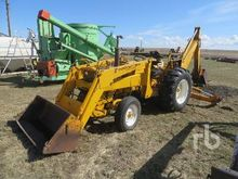 INTERNATIONAL Loader Backhoes