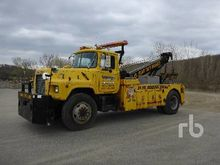 1988 MACK DM686X S/A Tow Trucks