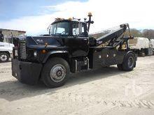 1993 MACK DM688X S/A Tow Trucks