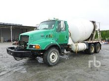 2000 STERLING LT8513 T/A Mixer
