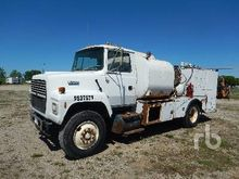 1994 FORD L8000 S/A Fuel & Lube