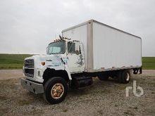 1990 FORD L8000 S/A Van Truck
