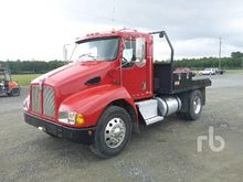 1999 KENWORTH T300 S/A Flatbed