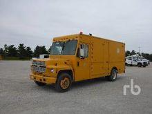1990 FORD B600 Van Truck