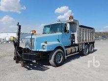 1991 VOLVO WG64 Dump Truck (T/A
