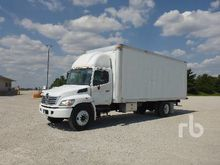 2009 HINO 268 Van Truck