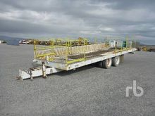 2001 WECO 35 Ft T/A Equipment &