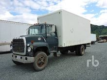1980 FORD 800 S/A Van Truck