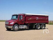 2013 FREIGHTLINER M2 T/A Grain