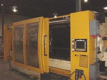 2002 Husky 715 ton Injection Mo