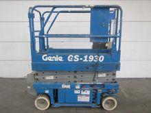 Used 1998 GENIE GS19