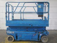 2000 GENIE GS2046