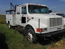 2001 International 4700LP Truck