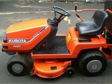 KUBOTA T1400 WITH COLLECTOR Pet