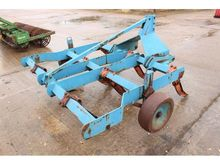 TWOSE 8' MOUNTED CHISEL PLOUGH