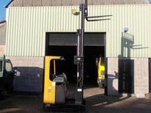 2002 CAT ELECTRIC FORKLIFT - 1,