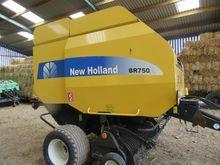 NEW HOLLAND BR750A BALER