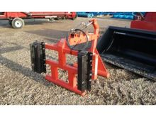 2011 BROWNS BALE GRIPPER