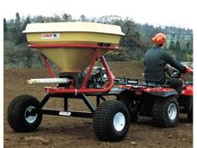 2017 LOGIC FERTILISER SPREADER