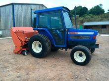 ISEKI 537 4wd tractor, comes wi