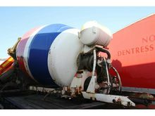 Used LT CEMENT MIXER