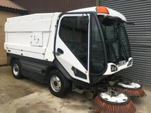 2010 JOHNSTON SWEEPER CX400 7.5