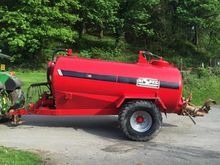 HI SPEC 1600 GALLON SLURRY TANK