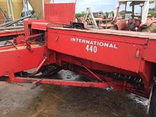 CASE INTERNATIONAL 440