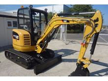 Used CATERPILLAR 302