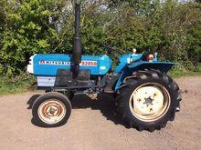 MITSUBISHI D2050 Clean Tractor