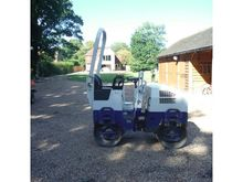 2004 BOMAG BW80-2 RIDE ON ROLLE